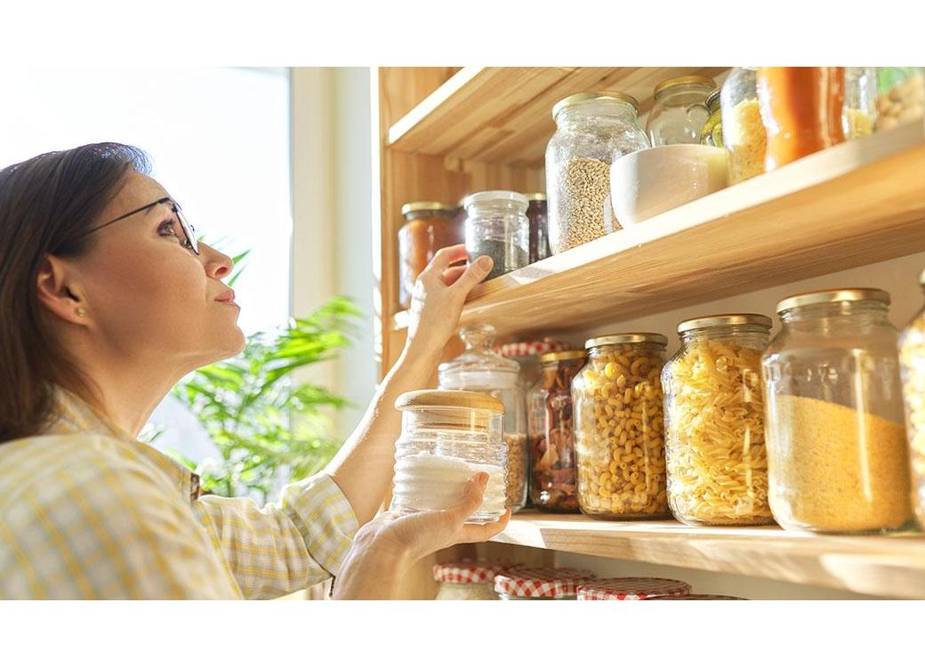 Creating A Plastic-Free Pantry